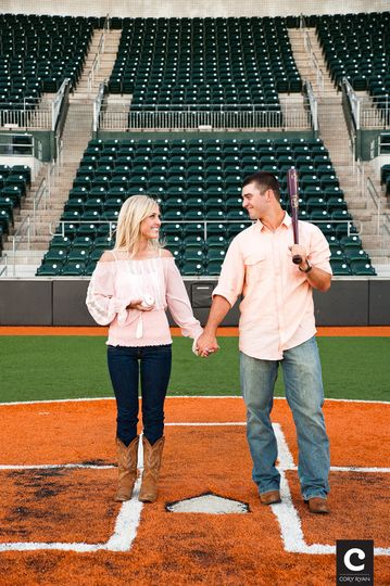 austin baseball themed engagement photgraphy