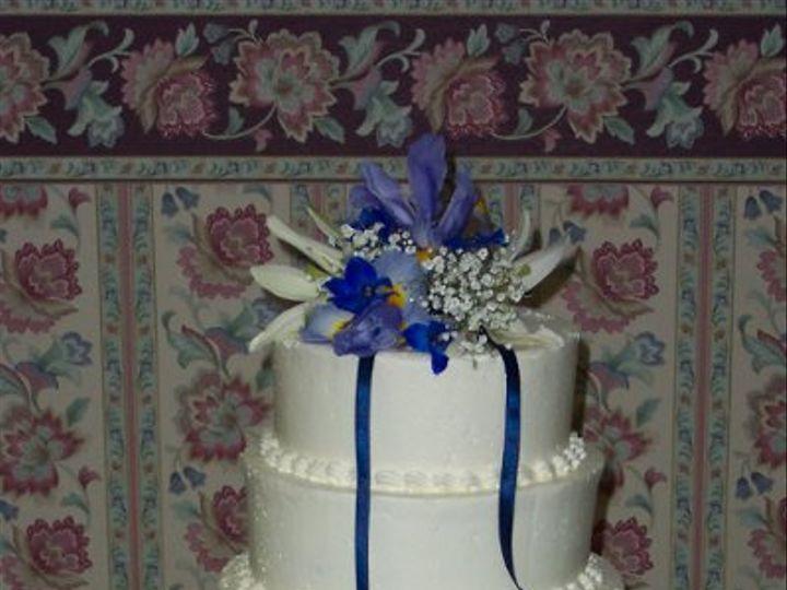 Tmx 1288230660342 DarelleandCarey2005 Lisbon, ME wedding cake