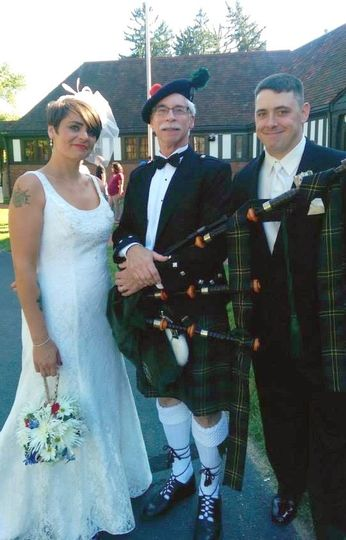 Tom with Bride & Groom