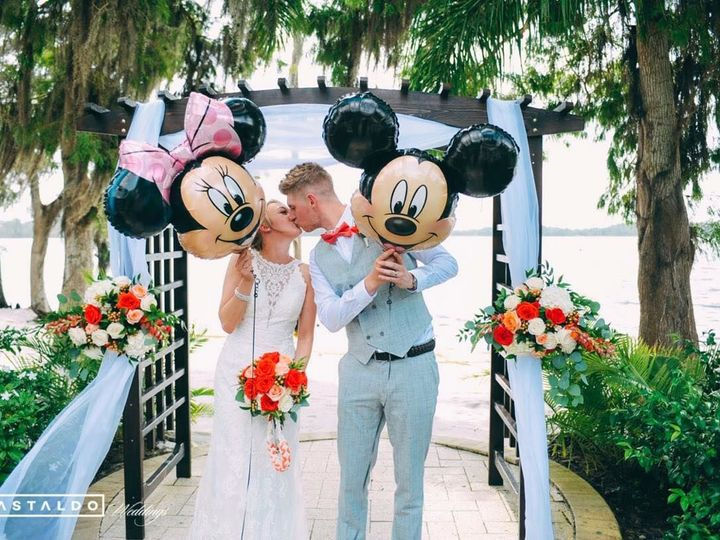 Tmx 1528921734 D77ad40e436df165 1528921733 8e5b022ca673ea43 1528921753896 14 Mickey Minnie Orlando wedding venue
