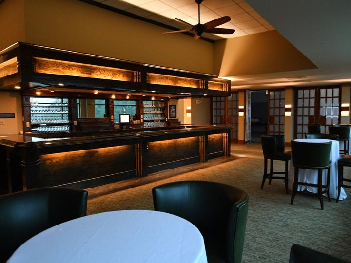Tmx Thumbnail Image 2 51 2588 160806287055624 Canton, MA wedding venue