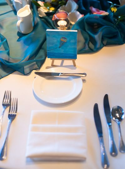 Guest table setting and cutlery