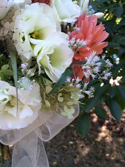 Ranunculus, dahlias, and hydrangea