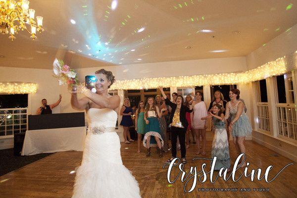 Bridal bouquet toss at Willow Ridge Manor.