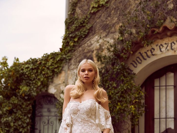 Tmx Halle Ml8319 Full Lace Fitted Gown With Sweetheart Neckline And Zip Up Back Detachable Off Shoulder Flutter Sleeves Wedding Dress Madi Lane Bridal2 51 82688 1565701671 Buffalo, NY wedding dress