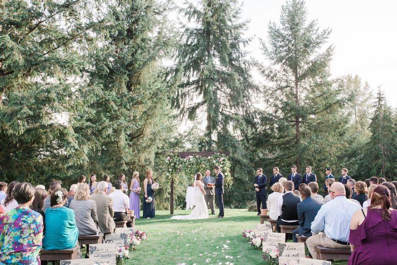 7aa6ed6f8adf2238 1512097337915 erin troy weddingerpceremony 154