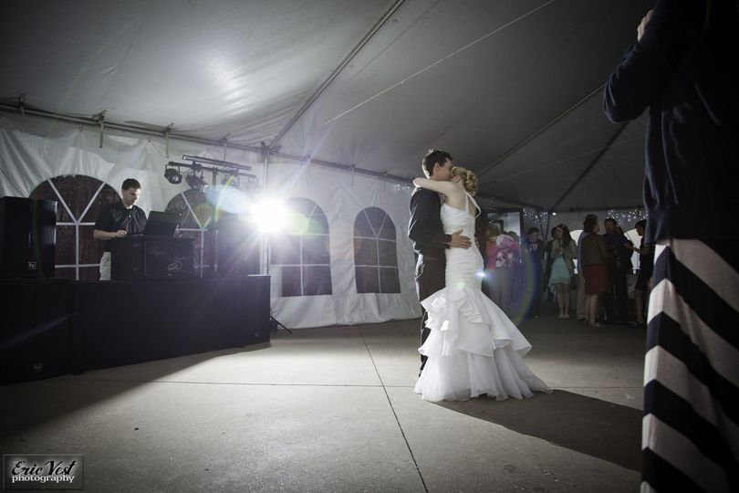 57100d328f96b1eb 1467687825347 ryan ambers wedding crank it up dj 1