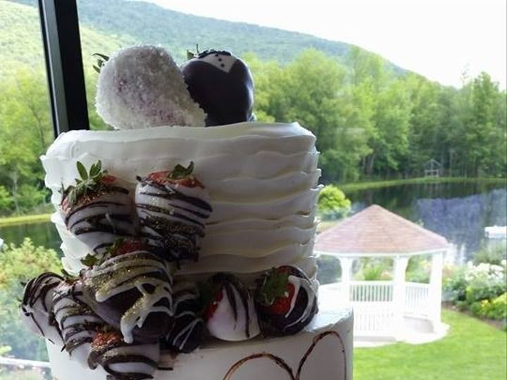 Tmx 1452549360081 118135139991744967827345757189675025644797n Laconia wedding cake