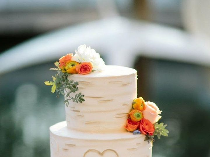 Tmx 1452549541524 Jgkj Laconia wedding cake