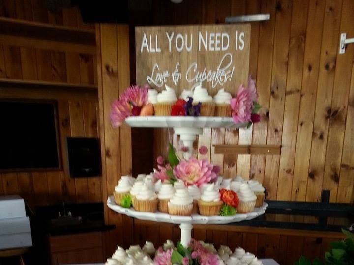 Tmx 1452549612890 10313715812515008782018274674357876804238n   Copy Laconia wedding cake