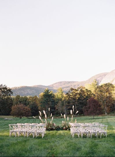 Style shoot at Lonesome Valley in Cashiers, NC featured on Wedding Sparrow
