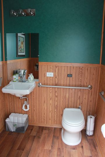 3-stall ADA trailer with accessibility