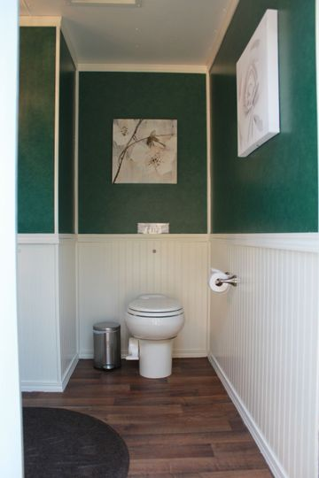 Mini Suite Women's Restroom