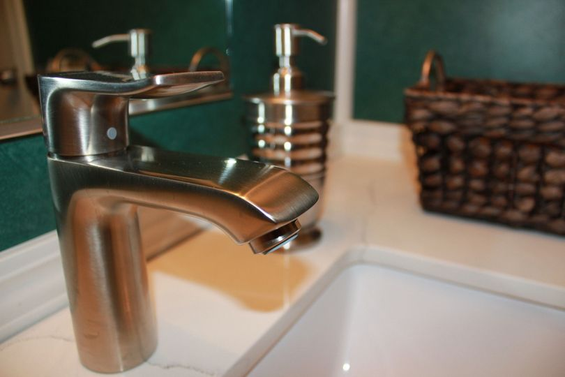 New Faucets and accessories in Mini Suite