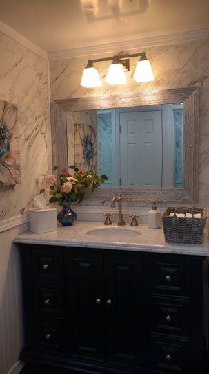 Grand Suite Women's Vanity