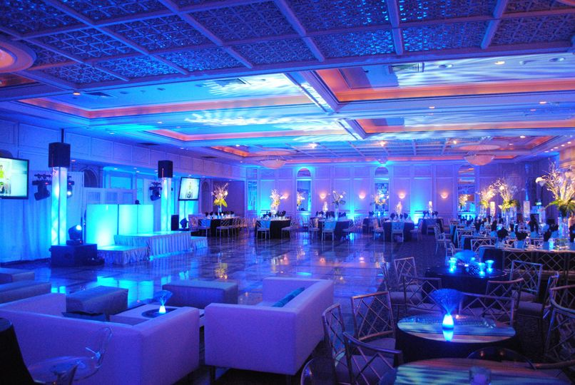 800x800 1404318146526 full room shot with kinetics blue