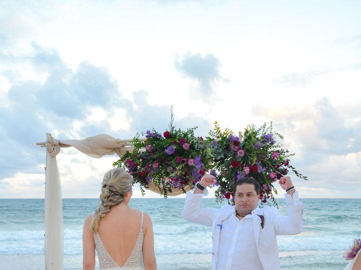 Tmx Clalexwedhr 231 51 996988 1571144398 Hollywood, FL wedding florist