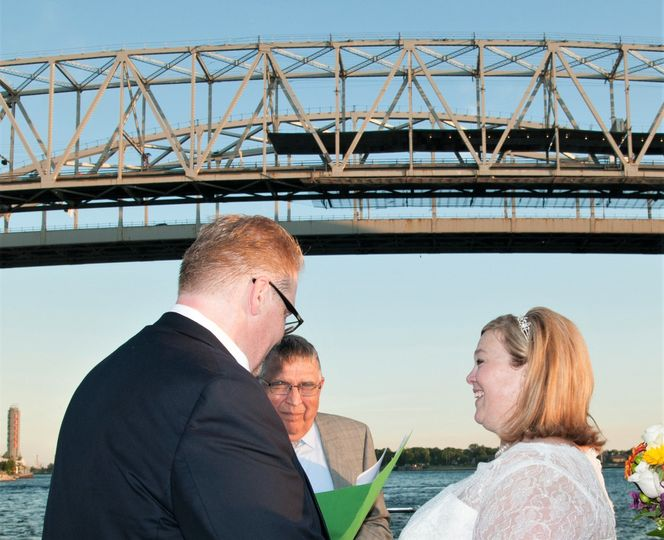 Exchanging vows under the Blue Water Bridge