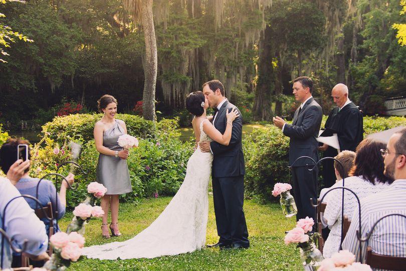 15635c13a001eb4e 1415925656337 tealdave wedding 8