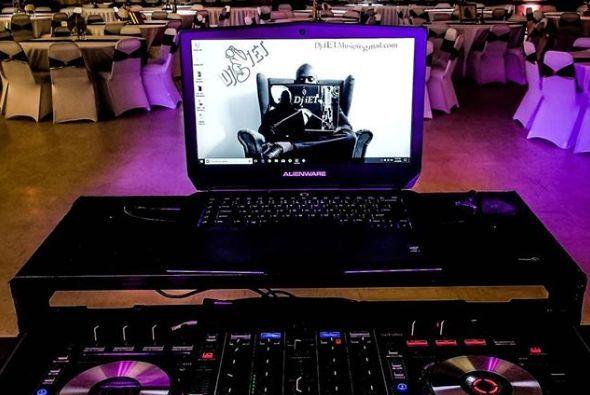 DJ mixing table Holbrook MA
