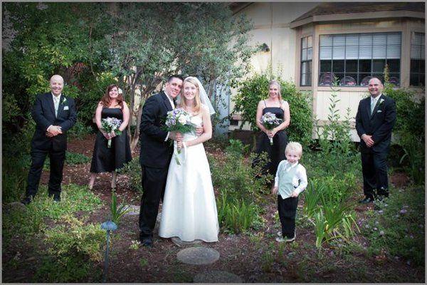 Anna & Eric and wedding party at the Casa Garden Restaurant in Sacramento.