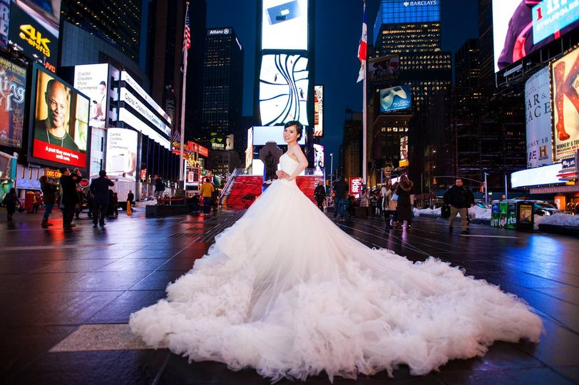 Get married in Times Square, Big Apple