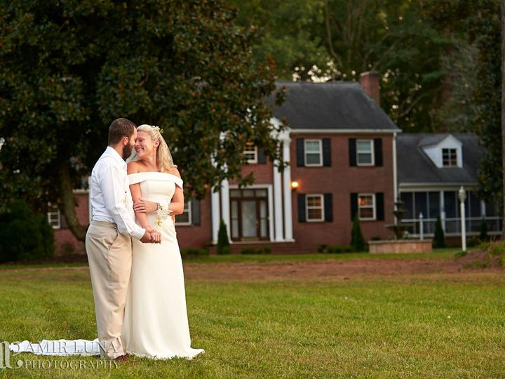 Tmx Coupld In Front Of House 51 1018098 157819362350956 Walnut Cove, NC wedding venue