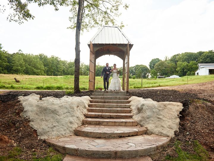 Tmx Kristin Bride At Top Of Lake Staris 51 1018098 157819364016137 Walnut Cove, NC wedding venue