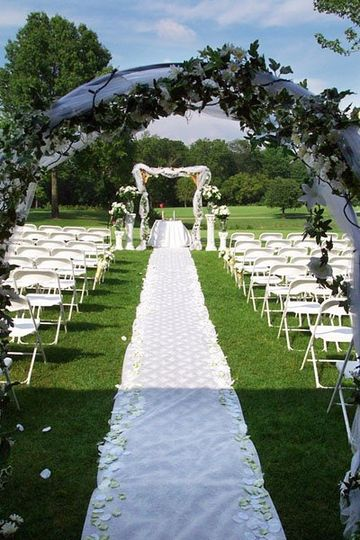 Our secluded golf course provides the ideal setting for an outdoor ceremony!