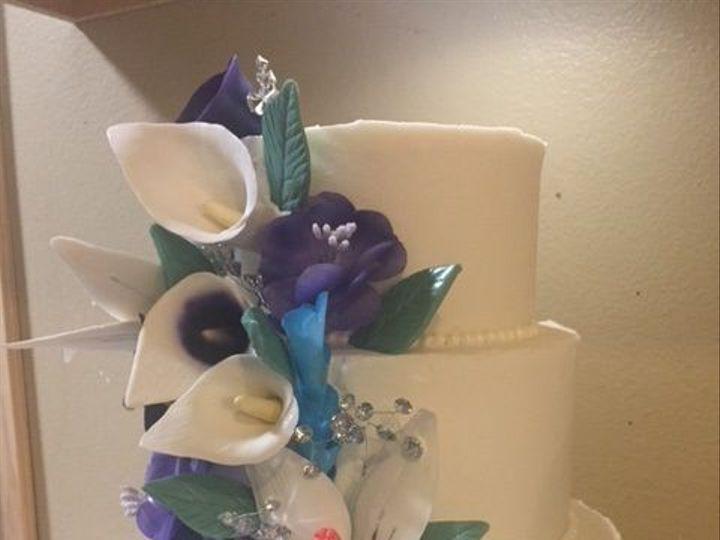 Tmx 1535485675 B14d7e754bad20f2 1535485674 8c96c45f0d1fe7af 1535485674442 5 Weddingcake4 Fort Collins, Colorado wedding cake