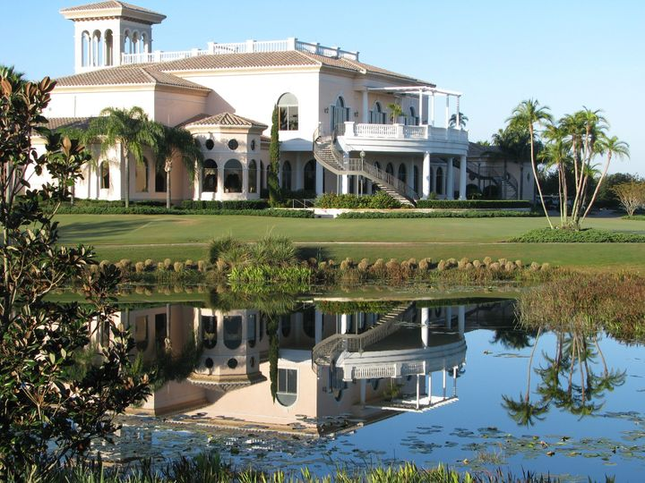Exterior view of the Lakewood Ranch Golf and Country Club