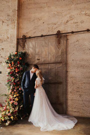 luce loft amanda noel photos www amandanoelphotos com wedding san diego loft wedding venue 51 571198 159413483410115