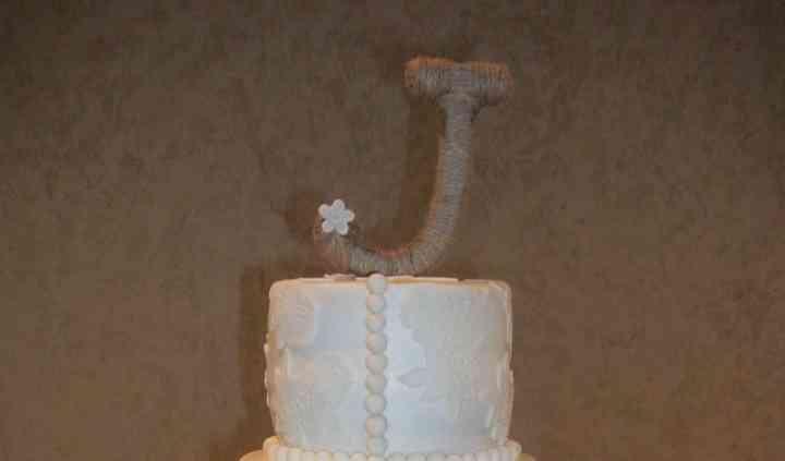 BETTY'S HEAVENLY CAKE DECORATING