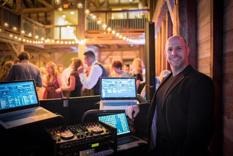 Diamond Entertainment Professional Disc Jockey Service