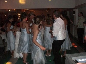 The hole bridal party joins in the fun.