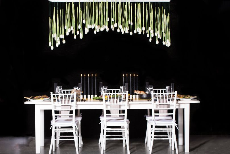 Black and white timeless table