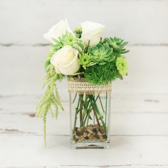 White roses as table centerpiece