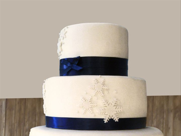 Tmx 1501101260823 Snowflakelayered02 Falmouth wedding cake
