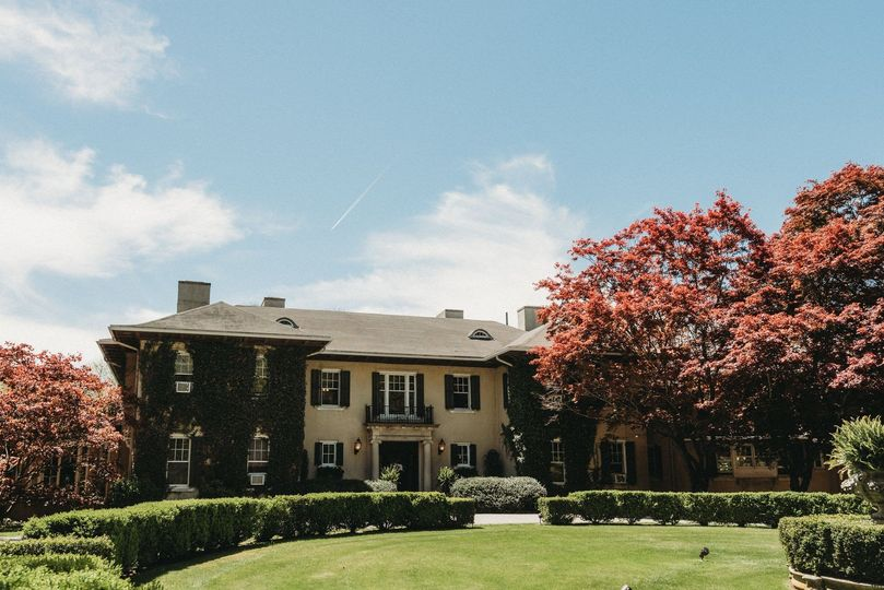 Front of Lord Thompson Manor