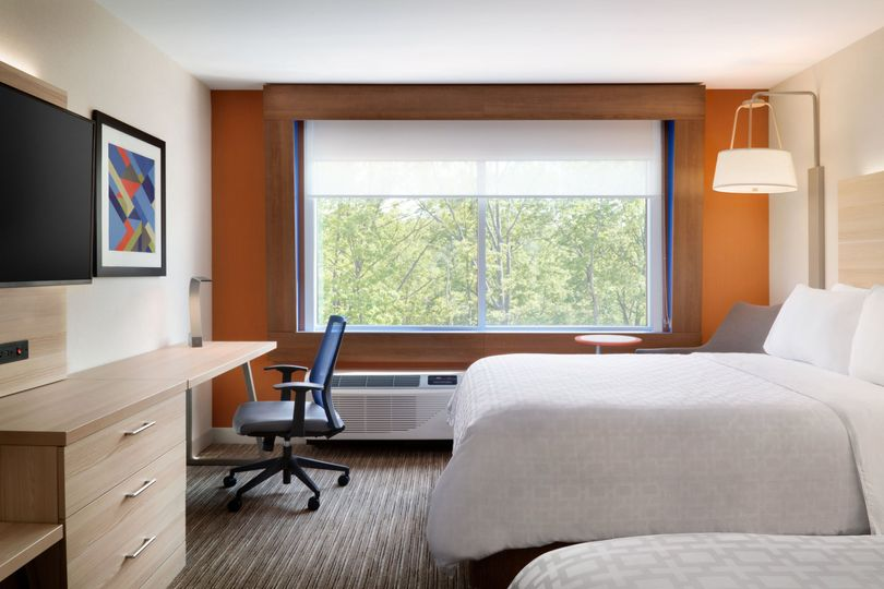 Our rooms with two queen beds are the perfect option for families traveling for your special day!