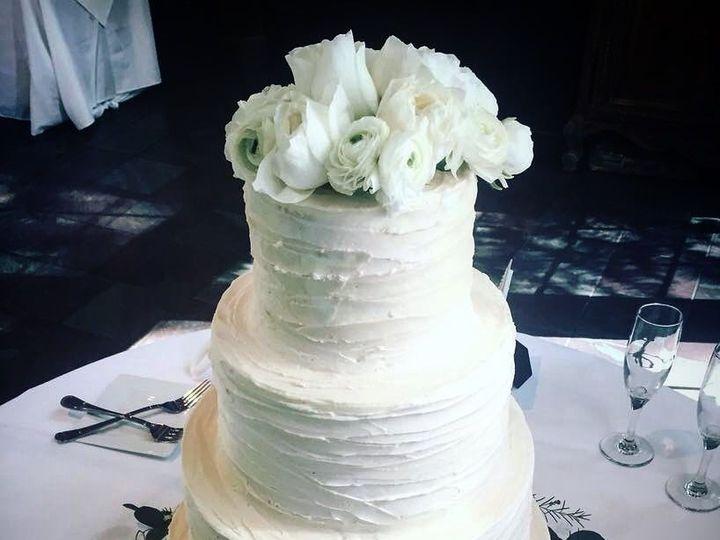 Tmx 1530798362 E13ce3e460c87d27 1530798361 8294a008f8501c16 1530798347923 5 A9F5A89C DD14 4DE8 Tulsa, OK wedding cake