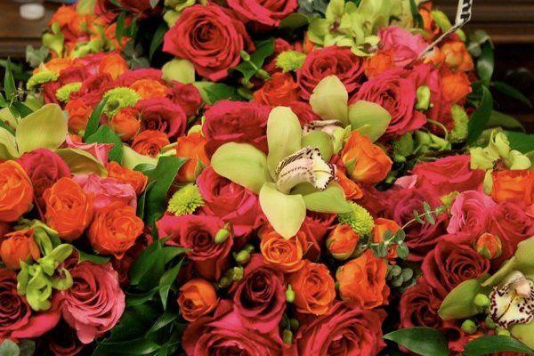 Warm themed flora arrangement