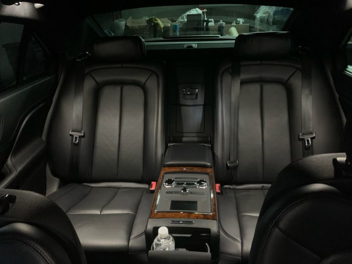 Luxury Sedan 2 passenger