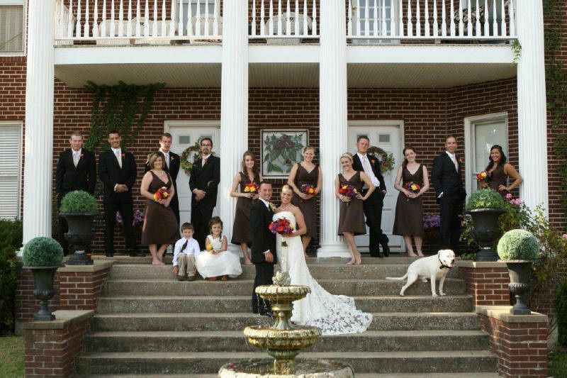 The couple and bridesmaids and groomsmen