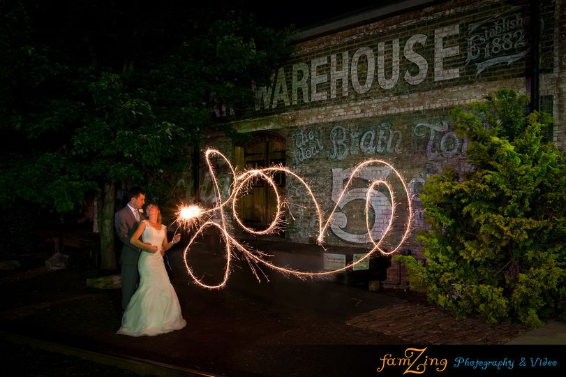 800x800 1427640204415 oldcigarwarehouseweddingphotographygreenvillescpho