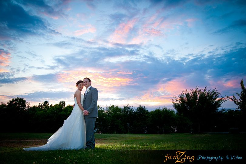 800x800 1427640792219 greenvillescweddingphotographersjamierichardgreenw