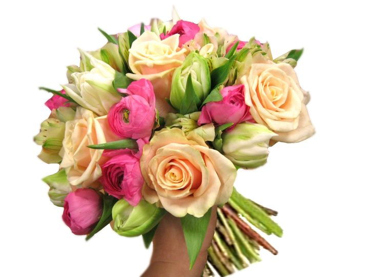 peach pink brides bouquet