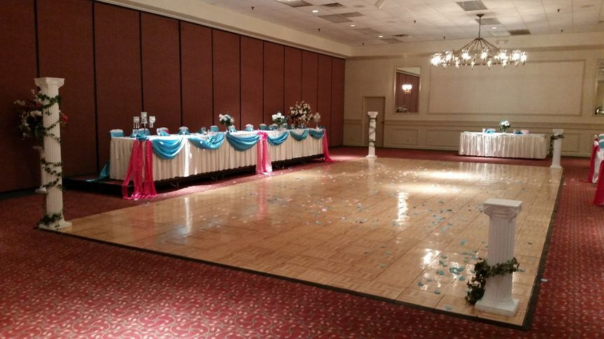 The dance floor, head table, and DJ table from a wedding earlier in 2015.
