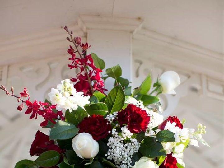 Tmx Bright Flower Arrangement T 51 3598 160622802182953 Hockley, TX wedding venue
