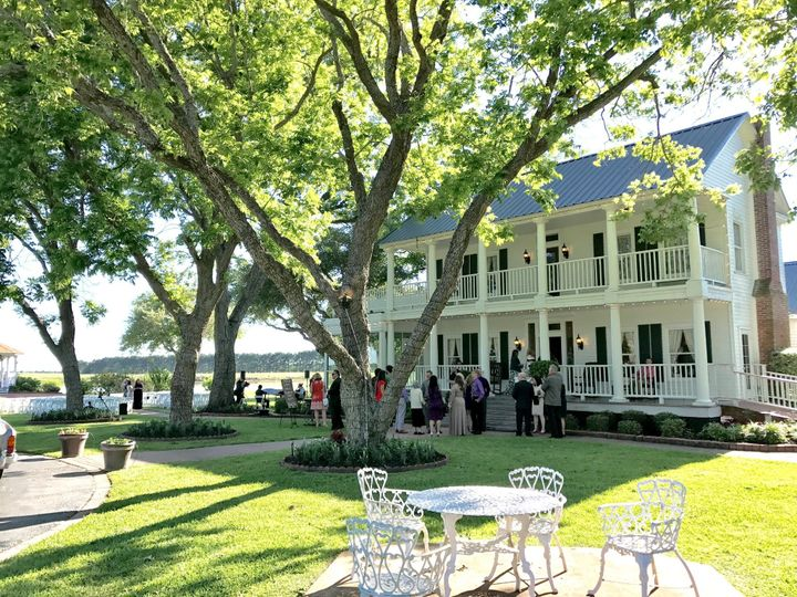 Tmx Guests Arriving At House Estate 51 3598 158268337840959 Hockley, TX wedding venue